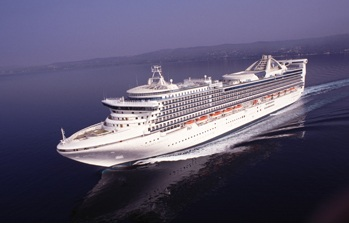 Golden Princess.  Image courtesy of Princess Cruises.