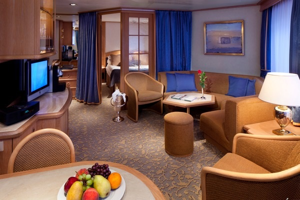 Seabourn's classic Suite- Image courtesy of Seabourn